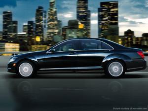 поводи се взимат луксозни автомобили под наем
